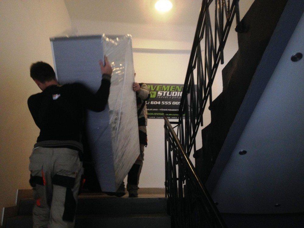 Stěhování do schodů
