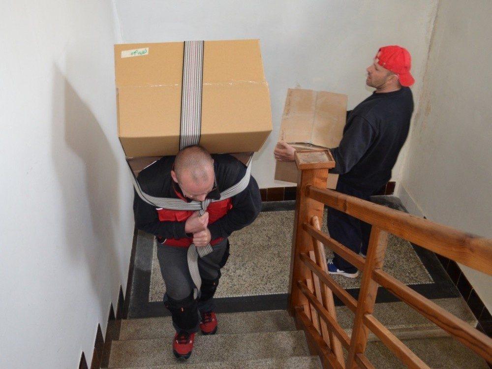 když není výtah, musíme po schodech
