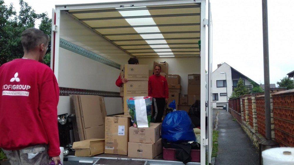 stěhování krabic Praha