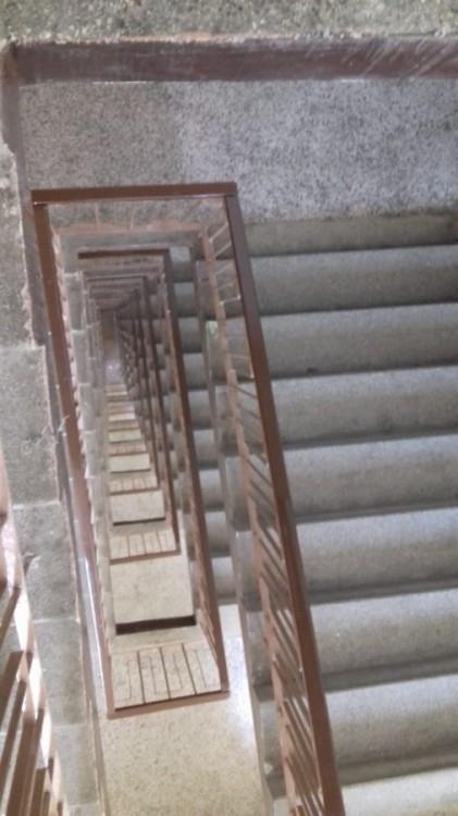 proklatě dlouhé schodiště