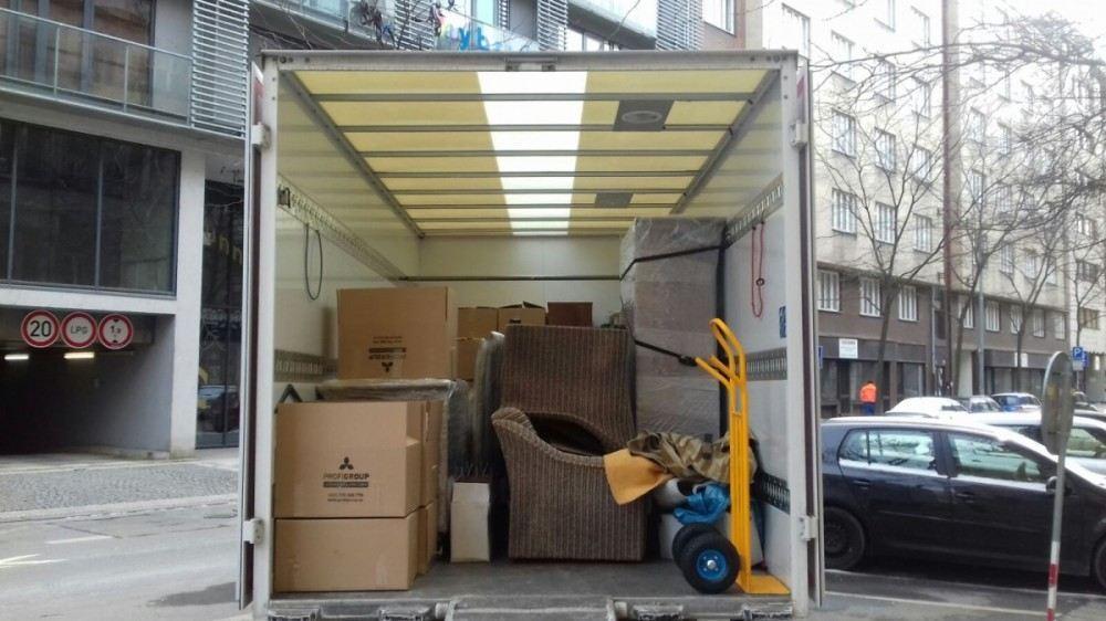 auto na stěhování