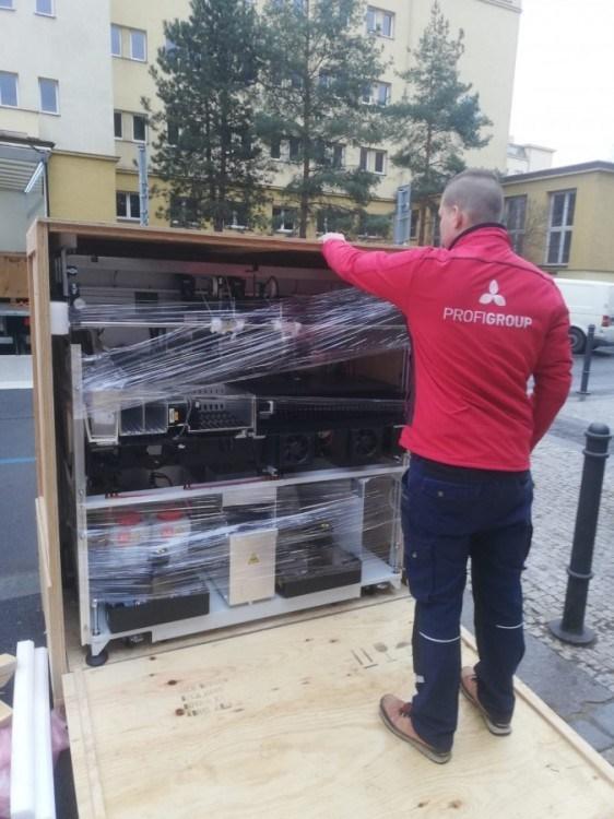 stěhování Praha přístroj