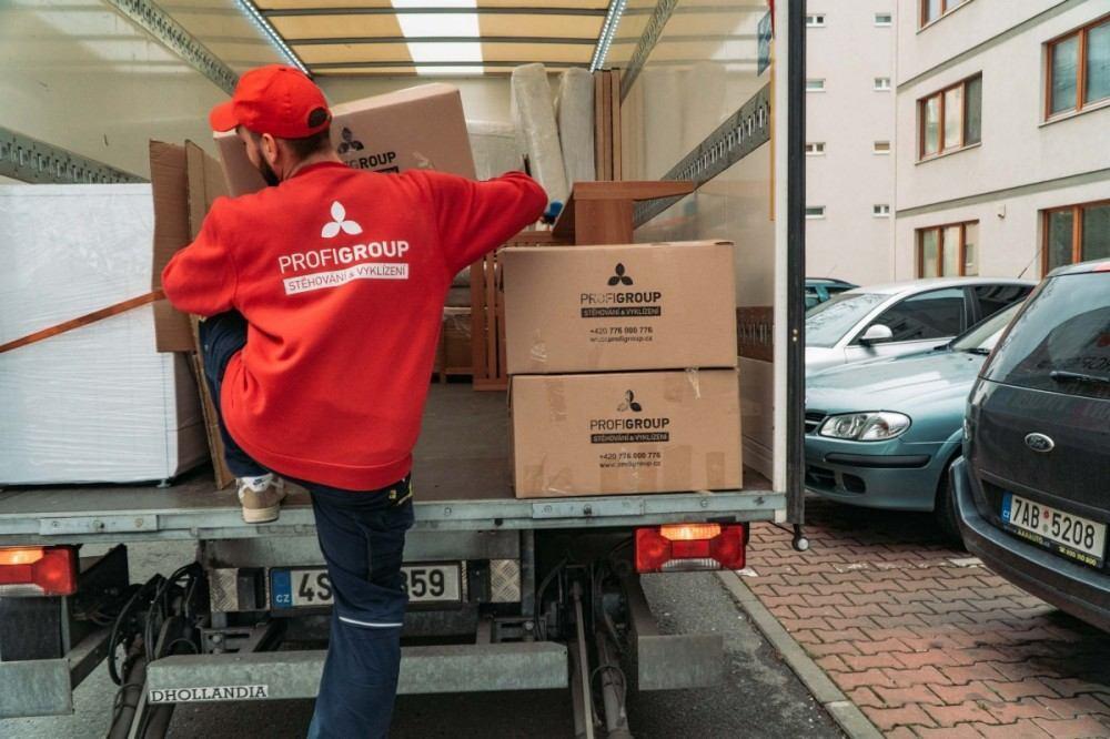 Stěhování nábytku dodávka
