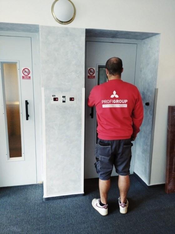 přestěhování nábytku z hotelu