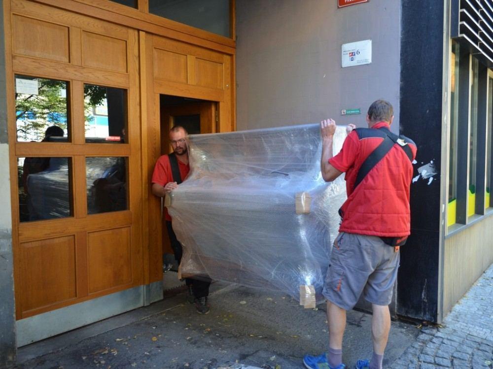 Stěhování pian Praha
