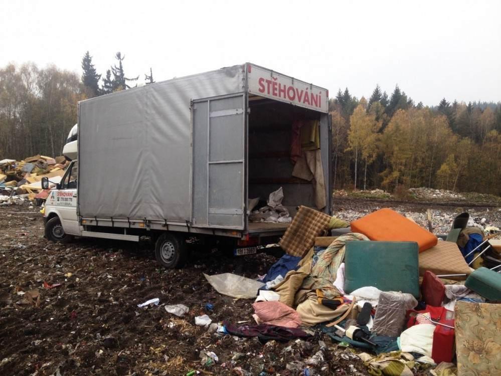 vyklízení bytu - odvoz odpadu na skládku