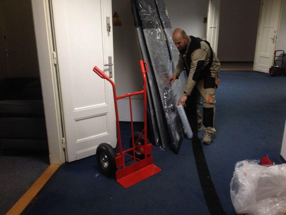 Vyklízení kanceláří a nábytku